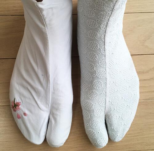 誂えた足袋と普通の足袋の比較